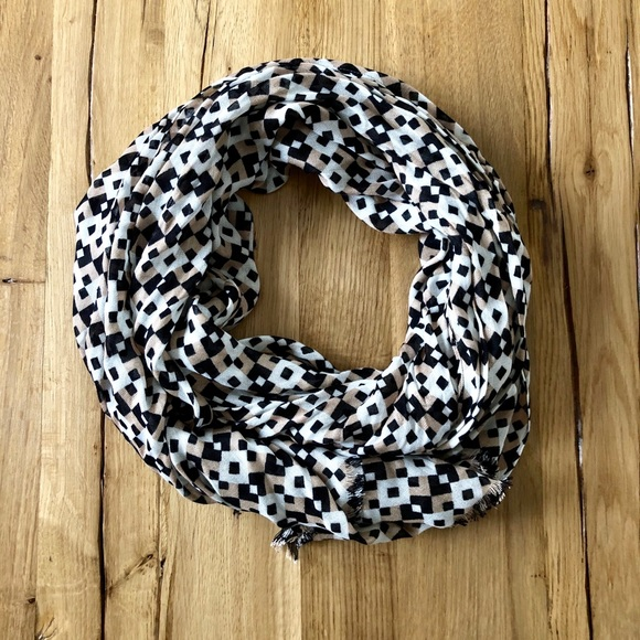 J. Crew Accessories - J. Crew patterned scarf